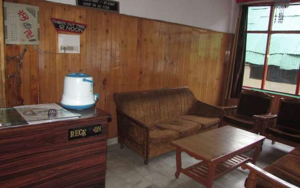 Daulat Hotel, Mall Road, Daulat Hotel