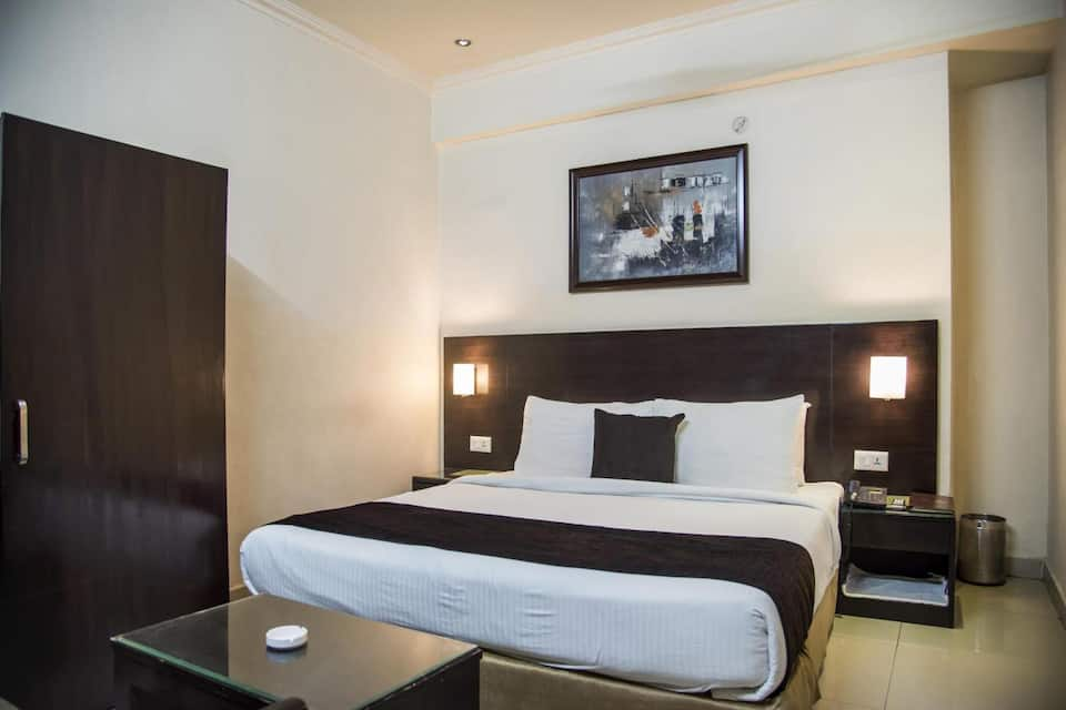 ANR Hotel, Guru Gobind Singh Marg, ANR Hotel