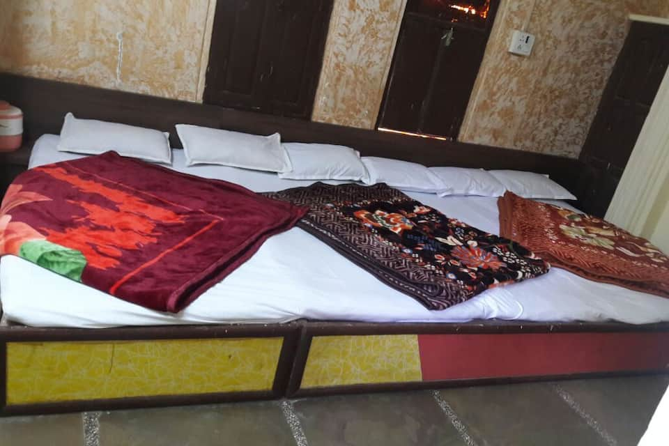 Hotel Meera Paradise, Dargah Road, Hotel Meera Paradise