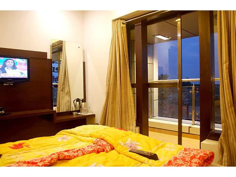 Hotel Anand Palace, Nagar Manmad Road, Hotel Anand Palace