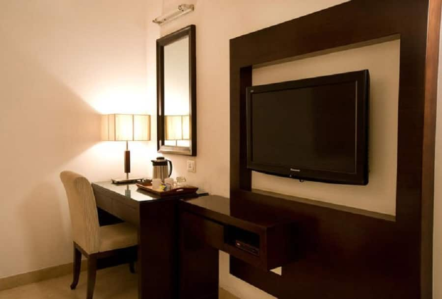 Eddison Hotel, Sector 14, Eddison Hotel