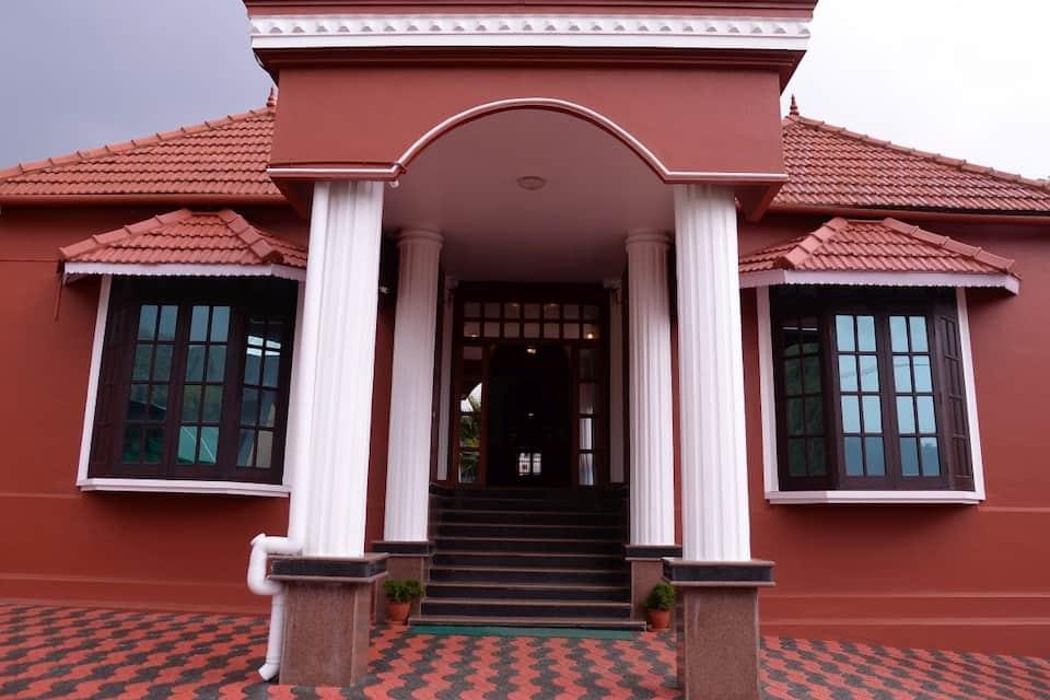 Pebrock Heritage Inn, Coonoor Road, Pebrock Heritage Inn