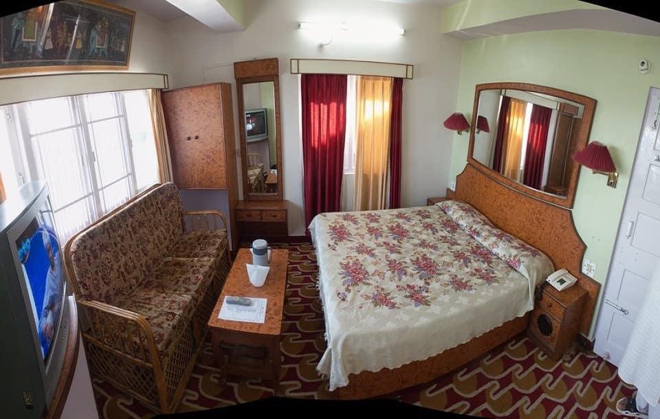 Hotel Nishat, Fingask Estate, Hotel Nishat