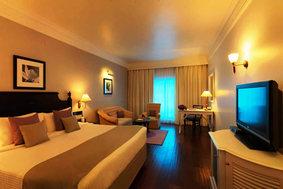 Royal Club Double Room with Breakfast