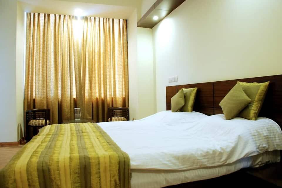 Merriment hotel@noida, Noida City Centre, Merriment hotel@noida