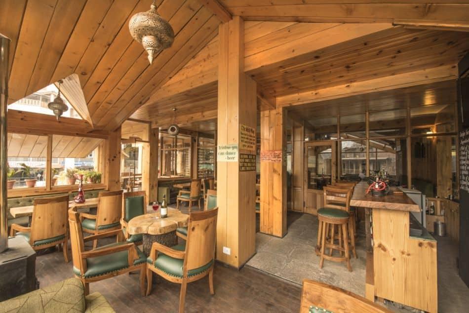 The Whispering Inn, Club House Road, The Whispering Inn
