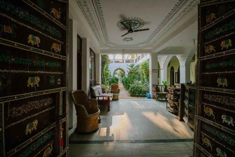 Hotel Radhika Palace, Near Pushkar Lake High Bridge, Hotel Radhika Palace