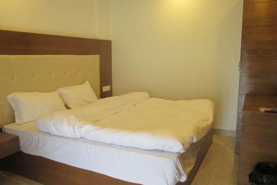 Hotel Samrat, Mall Road, Hotel Samrat