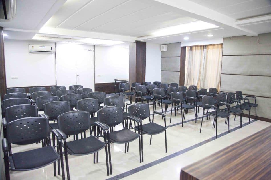 Hotel Admiral Suites, Osmanpura, Treebo Admiral Suites