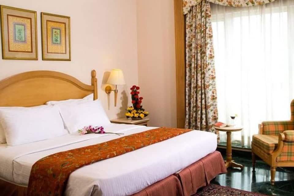 Savoy Suites Noida, Sector 18, Savoy Suites Noida