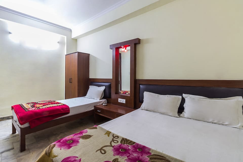 Hotel Sahara International, Near Bus Stand, Hotel Sahara International