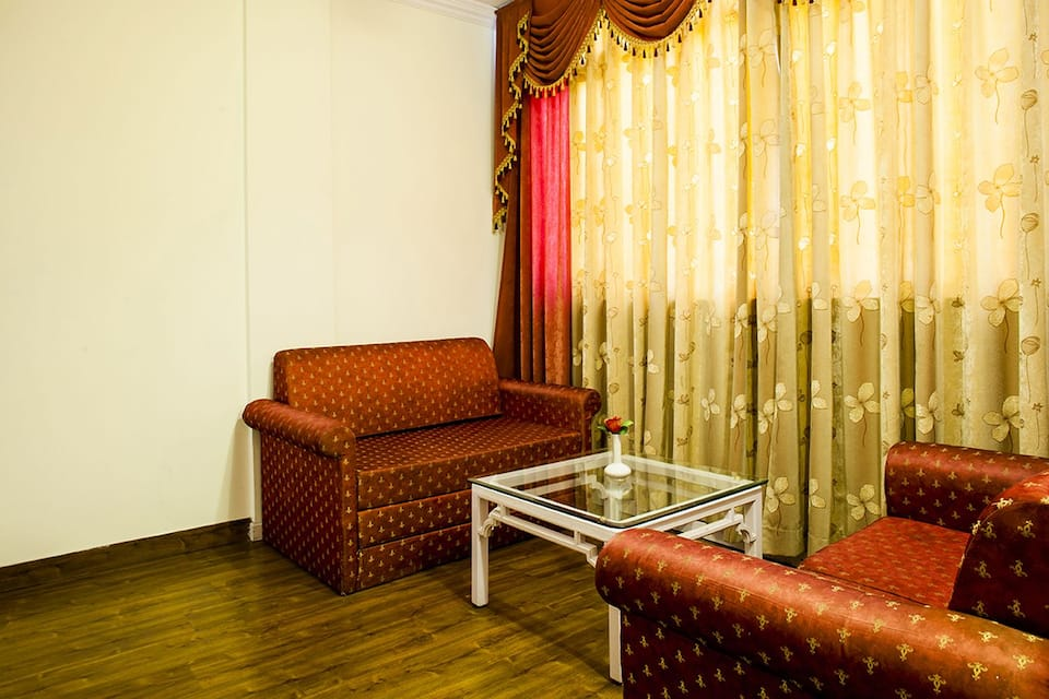 Hotel Shiva Continental, The Mall, Hotel Shiva Continental