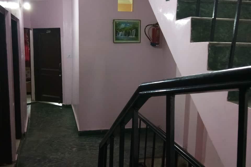 Hotel Rishu Palace, Raghunath Bazar, Hotel Rishu Palace