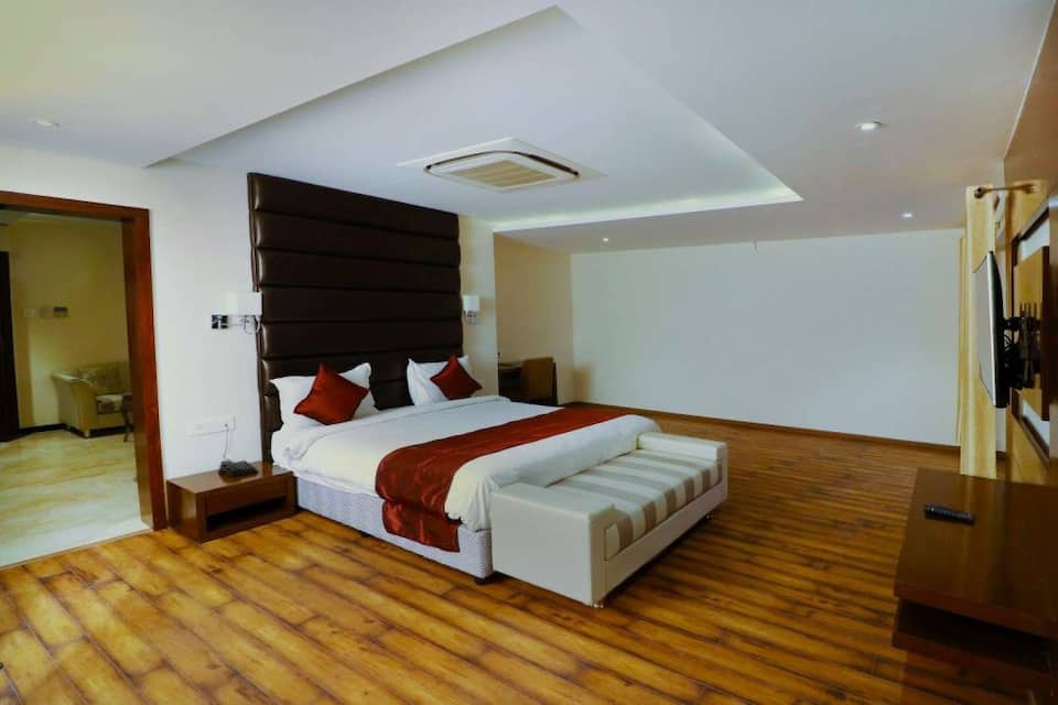 Grand Double Room with Breakfast