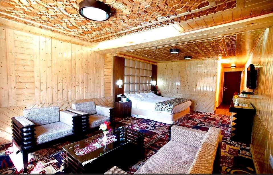 Super Deluxe Room with Breakfast