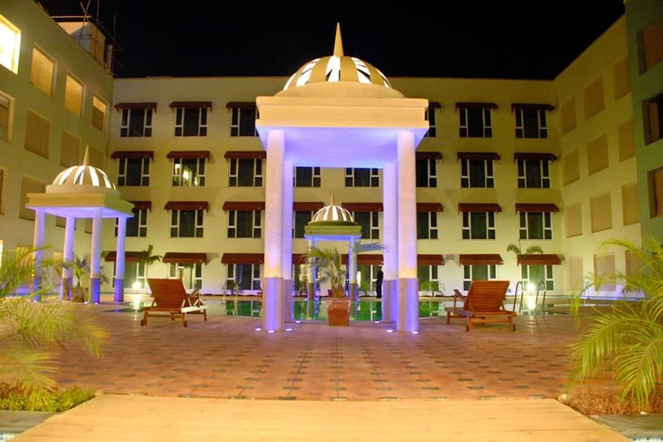 Cambay Grand, Kukas, Cambay Grand