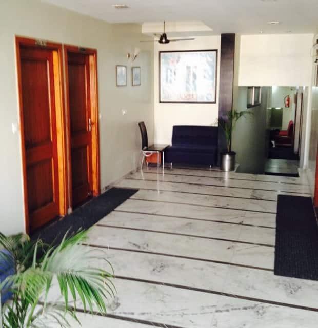 Jain's Hotel Rajhans, Maharana Pratap Nagar, Jain's Hotel Rajhans
