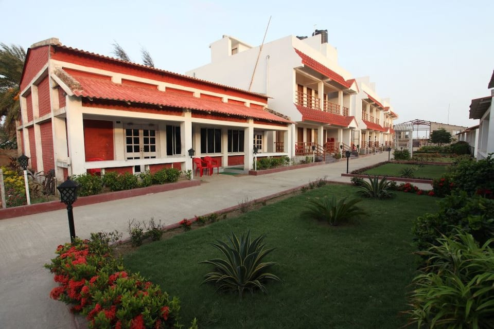 Massara Beach Resort, Jawaharlal Nehru Road, Massara Beach Resort
