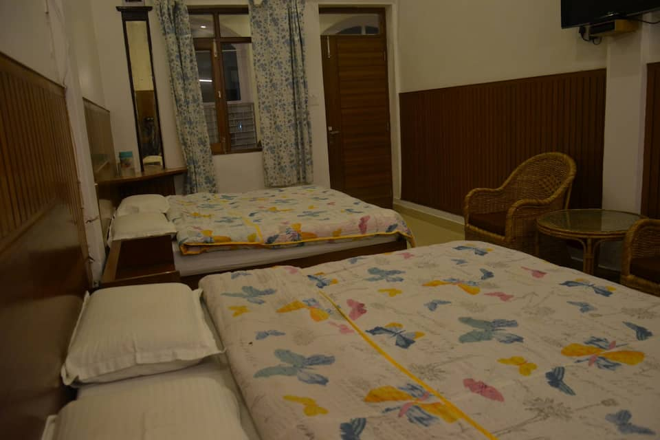 Semi Deluxe Room - Room Only