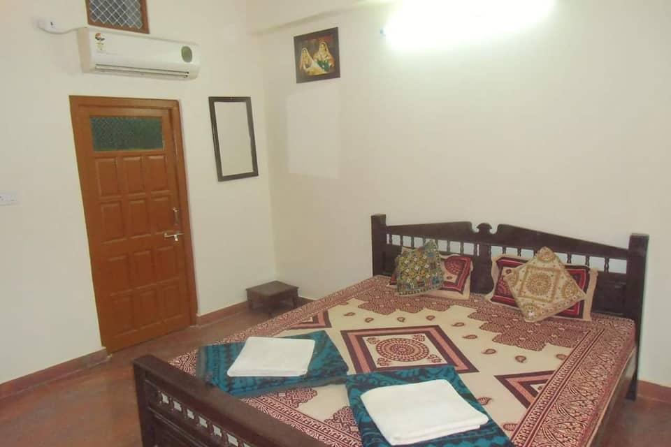 1st Choice Hotel, Dhibbapara, 1st Choice Hotel