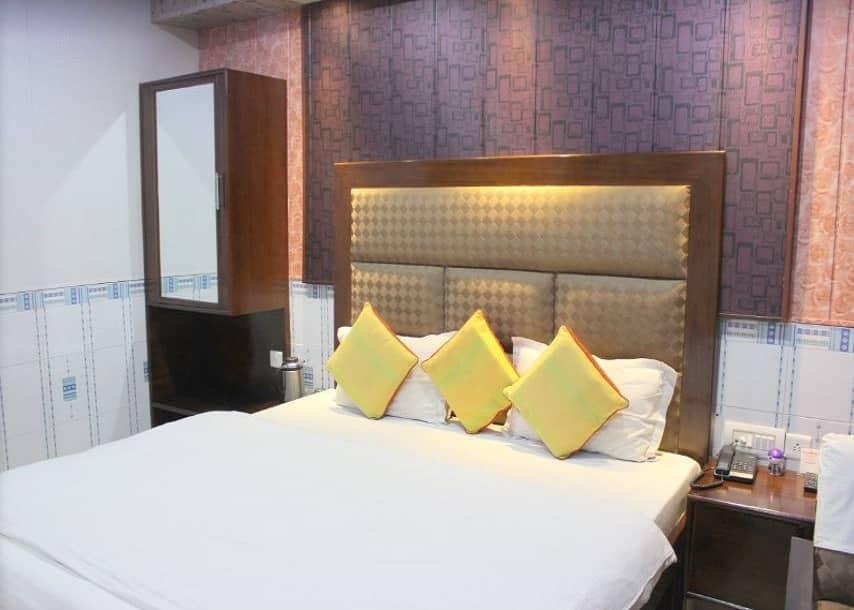 Hotel Himgiri, Railway road, Hotel Himgiri