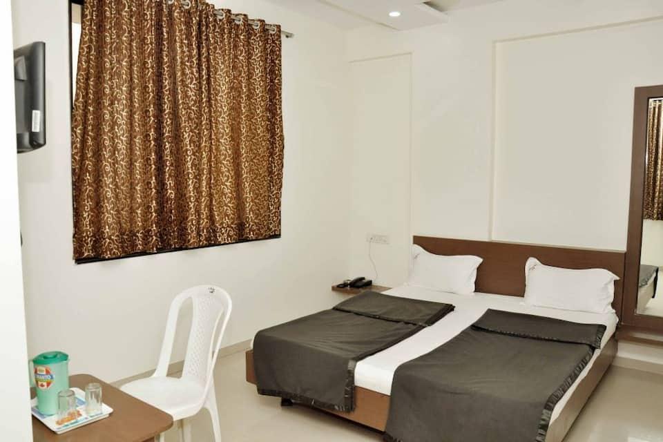 Hotel Archana, Near Temple, Hotel Archana