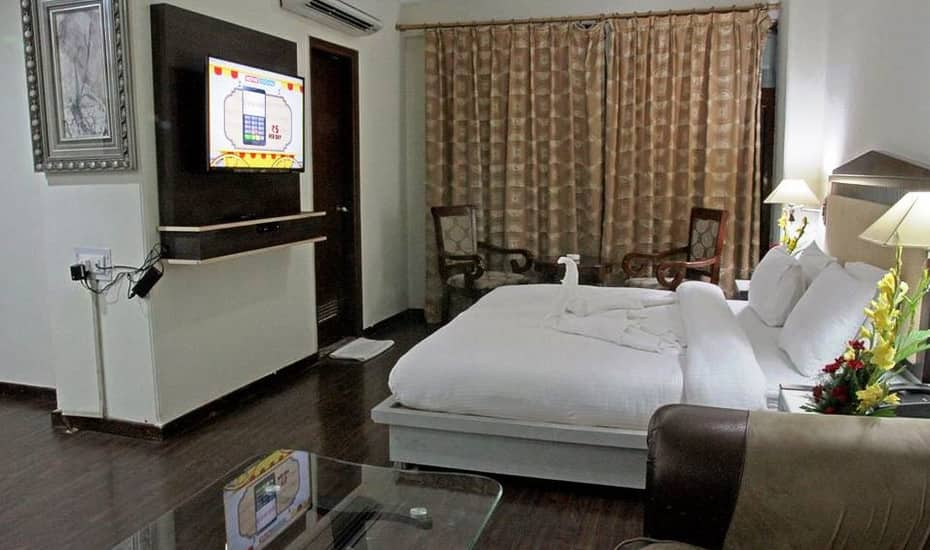 Double Deluxe Room -Room Only