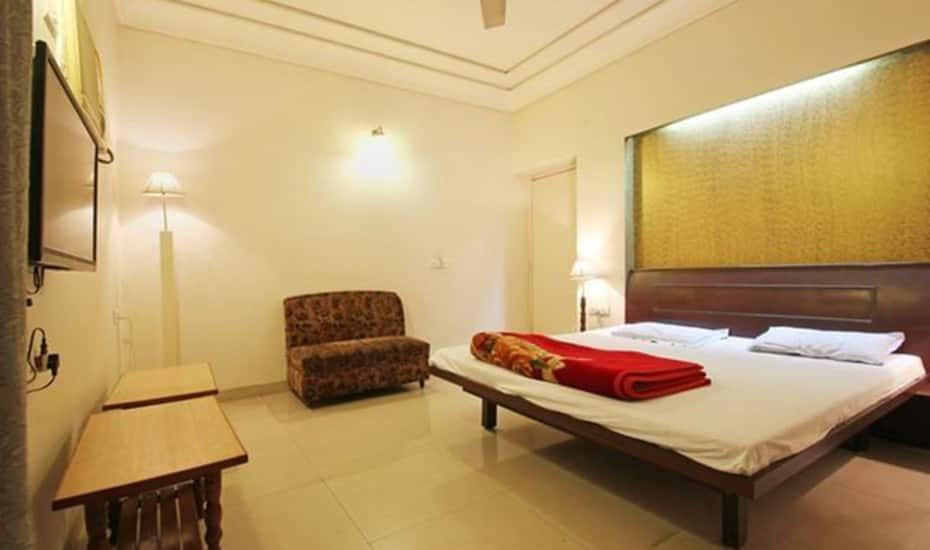 Hotel Samrat, Kailash Cinema Road, Hotel Samrat