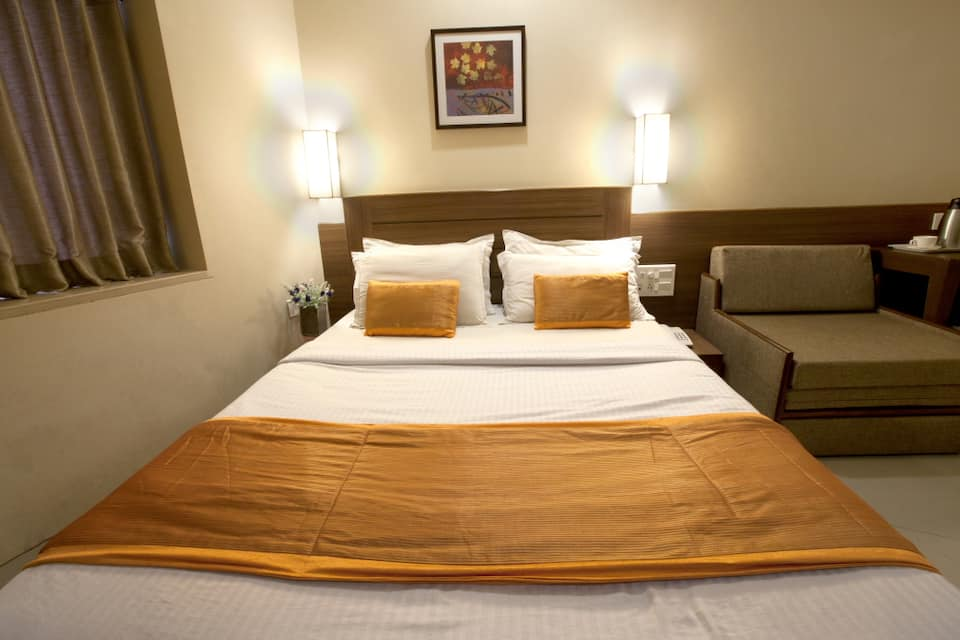 Hotel Rahat, Grant Road, Hotel Rahat
