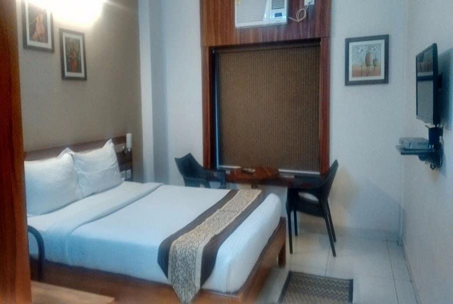 Hotel Eden Roc, Old Station Road, Hotel Eden Roc