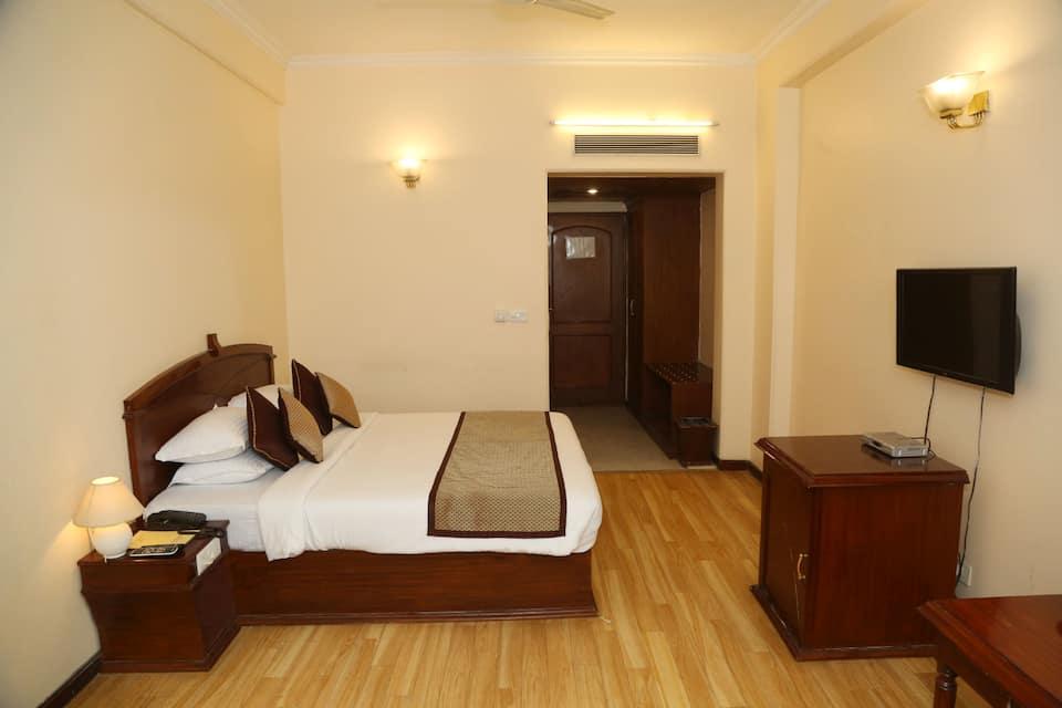 Deluxe Room with Breakfast  Dinner