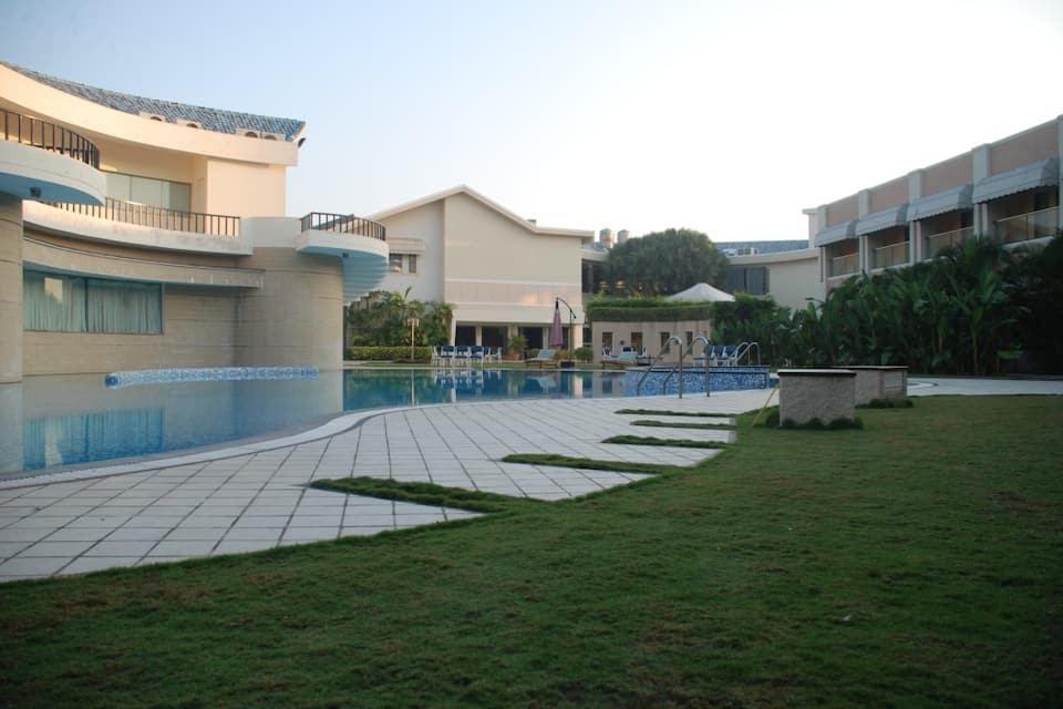 Azzaro Resort & Spa, Nagoa Beach, Azzaro Resort  Spa