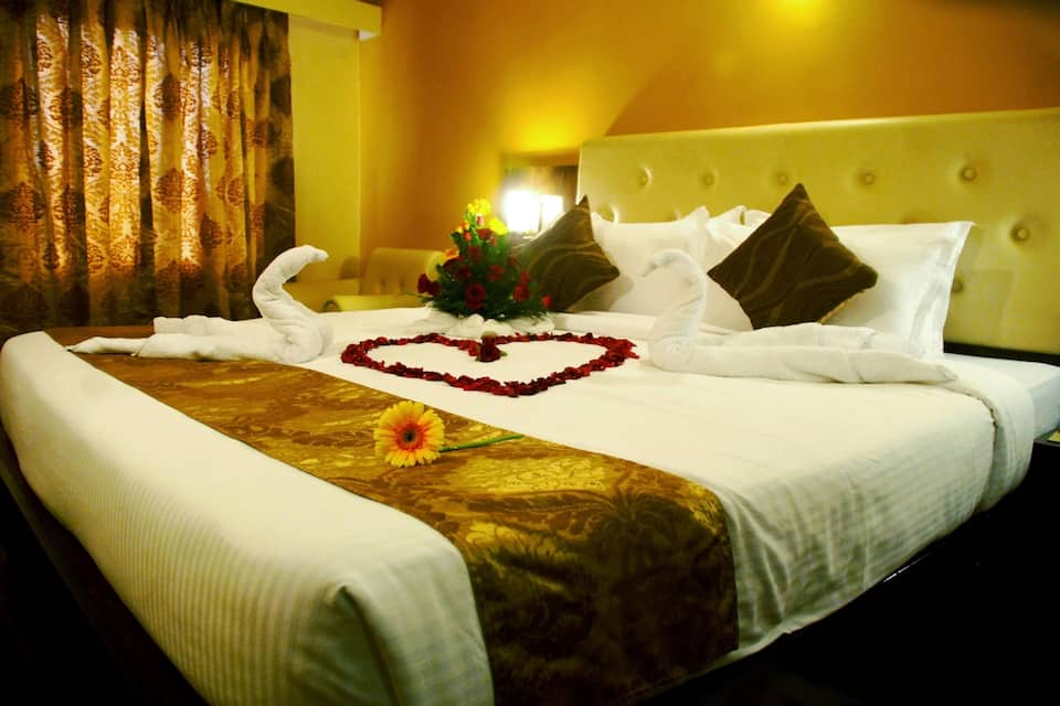Mango Hotels Nagpur, Central Avenue Road, Mango Hotels Nagpur