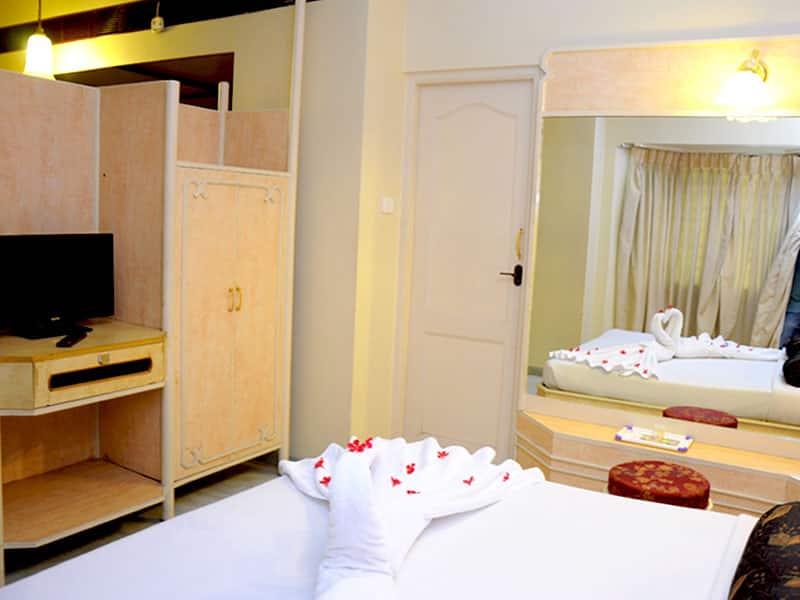 Hotel Saratha Rajans, Madurai Bazaar, Hotel Saratha Rajans
