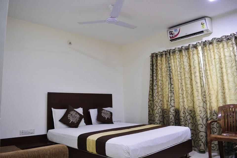 Hotel Maheshwari Avenue, Sri Mahakaleshwara Swamy Templ, Hotel Maheshwari Avenue