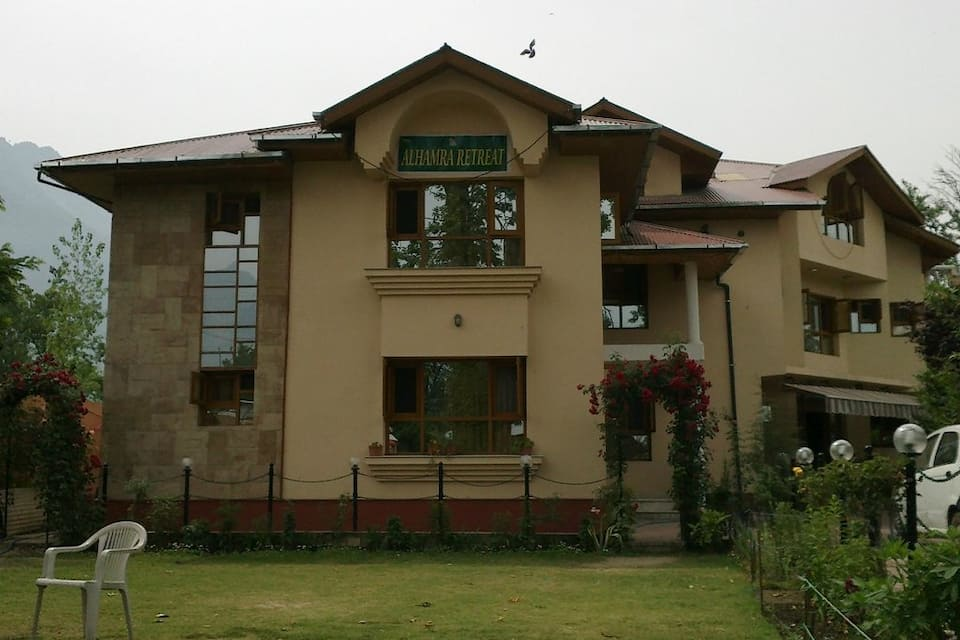 Hotel Alhamra Retreat, Pazzalpura, Hotel Alhamra Retreat