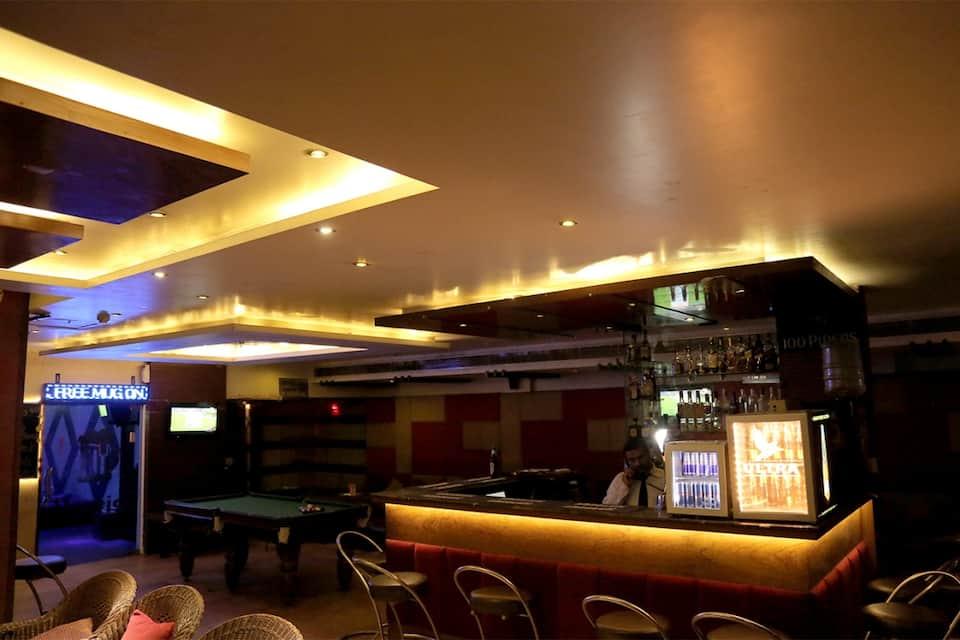 Himanis Hotel, Sector 35 C, Himanis Hotel