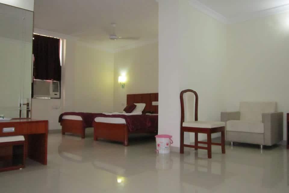 Hotel Sarita, Station Road, Hotel Sarita