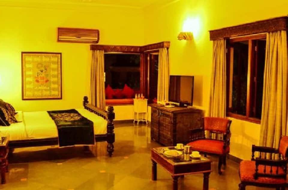 The Royal Retreat Resort and Spa, Fateh Sagar Lake, The Royal Retreat Resort and Spa
