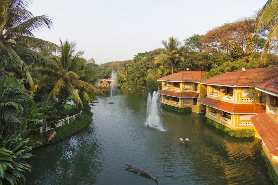 Mayfair Lagoon, Jaydev Vihar, Mayfair Lagoon
