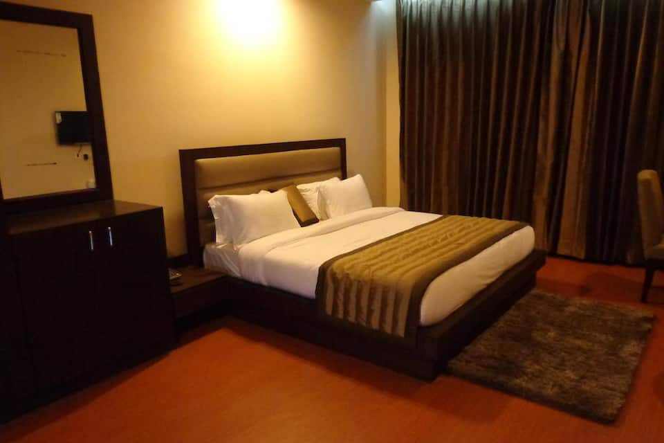 Premium Double Room With Breakfast