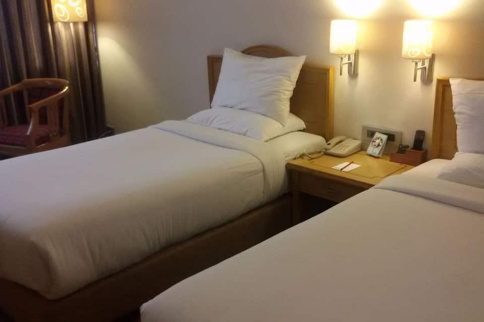Hotel Gemini Continental, Hazratganj, Hotel Gemini Continental