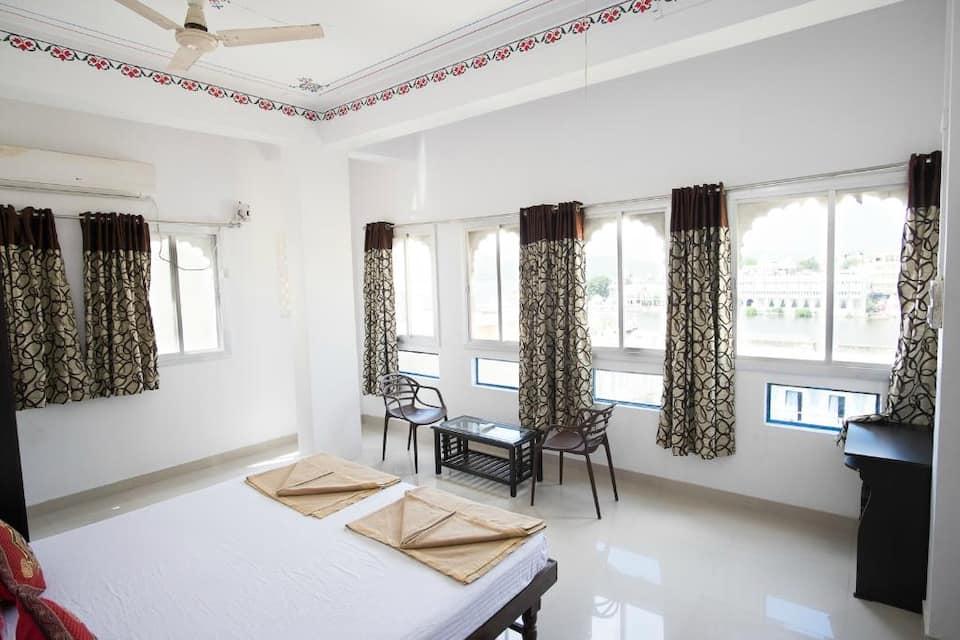 Devi Vilas Guest House, Gangaur Ghat, Devi Vilas Guest House