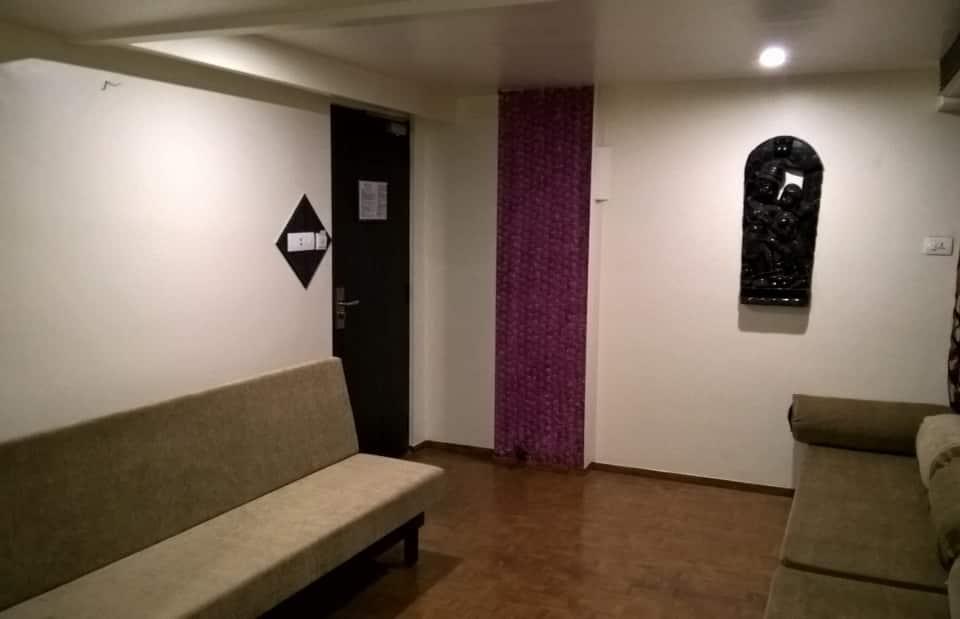 Hotel Supreme, West Perumal Maistry Street, Hotel Supreme