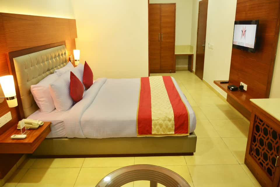 Hotel Mint Premia, Zirakpur, Hotel Mint Premia