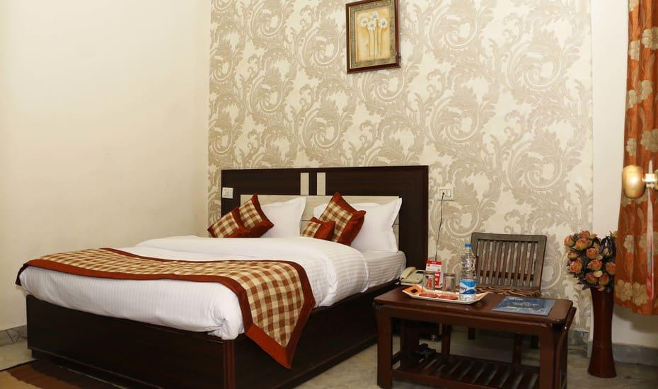 Hotel Atithi, Clock Tower Road, Hotel Atithi