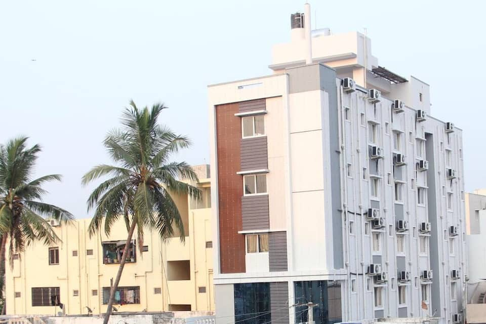Hotel Sri Maharaja Inn, Dwaraka Nagar, Hotel Sri Maharaja Inn