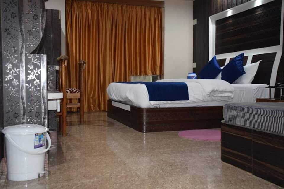 Hotel Naren Palace, Chakratirth Road, Hotel Naren Palace