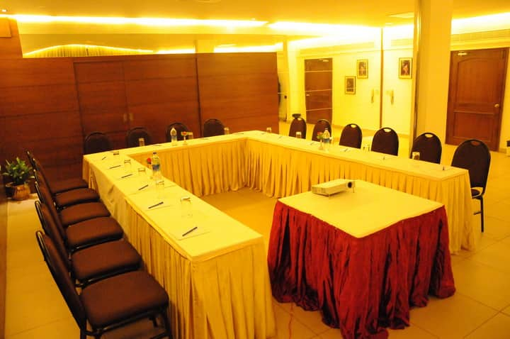 Hotel Sovereign Grand, Gandhi Nagar, Hotel Sovereign Grand