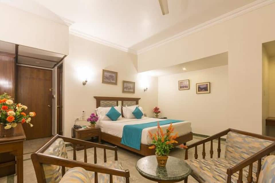 Hotel Sovereign Grand, Anand Rao Circle, Hotel Sovereign Grand